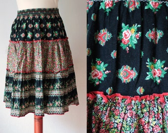 Vintage Skirt - 1970's Bohemian Cotton Skirt with Floral Print - Size XS