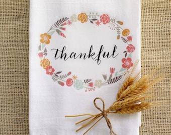 Tea Towel Thankful Thanksgiving Home Decor Flour Sack Kitchen Towel Autumn Fall Holiday Farmhouse Decor Calligraphy Text