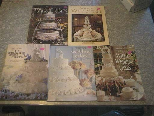 Cake Decorating Books In Sri Lanka : Lot of 5 WILTON Wedding Cake Decorating Books