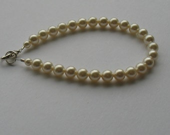 Ivory pearl bracelet. Wedding jewellery.
