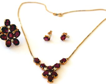 Gorgeous Vintage 18k Yellow Gold and Garnet set of necklace, ring and earrings. Appraised at 6150.