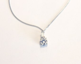 Stunning Vintage 18k White Gold and 2 Diamond Necklace Appraised at 4150.
