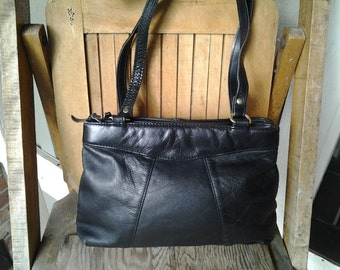 PLAIN    ///   Leather Shoulder Bag