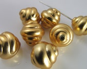 12 Vintage 12mm Oval Matte Gold Oval Lucite Shell Beads Bd1541