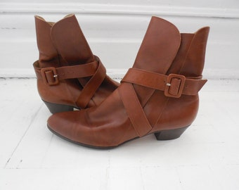 Vintage Ferragamo Brown Leather Italian Ankle Belted Boots, 8B - 1980s