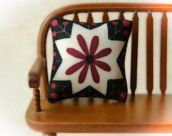 "Dollhouse Miniature Decorator pillow ""Starburst"" - 1:12 scale, Primitive Miniatures"