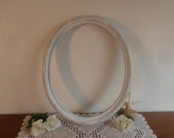 Large White Oval Frame Rustic Shabby Chic Distressed Up Cycled Vintage Wedding Photo Prop Picture Photo Decoration Cottage Home Decor Gift