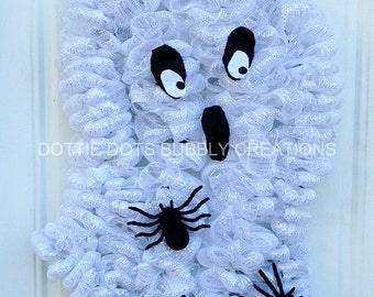 White Halloween Lighted Ghost Spider Mesh Wreath