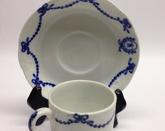 Onondaga Pottery Co Syacruse Demitasse Cup and Saucer Hotel Ware Expresso cup and saucer body glaze process James Pass Design R Guy Cowan