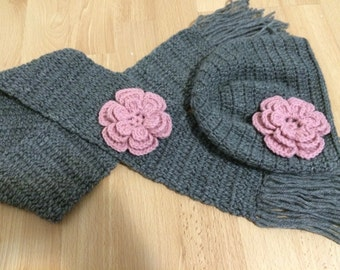 Girl BAby Hat Scarf Set In Gray With Pink Flower