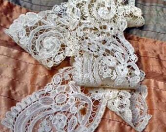 Elegant Vintage Ecru Floral and Arabesque Lace - L101