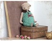 Artist Teddy bear Larry 6 inch 21 cm emerald beige