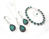 Emerald jewelry set ~ Bridal jewelry ~ 3 piece ~ Emerald green crystal set ~ Emerald necklace, bracelet, earrings ~ Irish jewelry ~ Gift ~