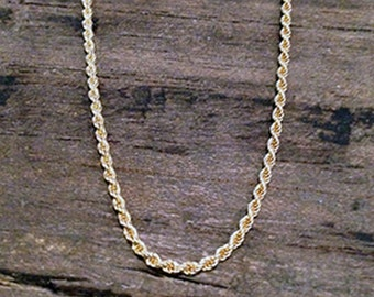 Vintage 18k Yellow Gold Diamond Cut Rope Chain