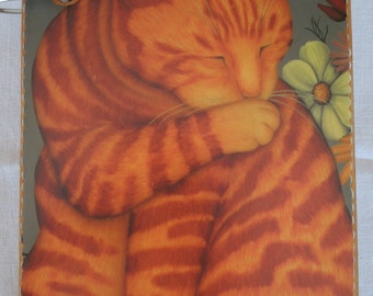 Tiger Cat-Maine Coon Cat wooden book