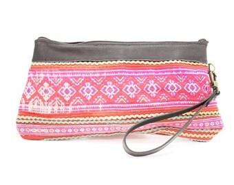 Handmade Hmong Wristlet Vintage Fabric Leather Trim Thailand (BG286.8)