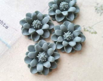 22 mm Grey Color Big Daisy Chrysanthemum Resin Flower Cabochons (.gg)