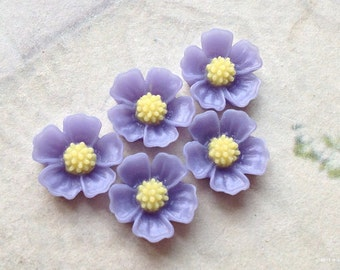 11 mm Purple Little Resin Flower Cabochons  (.s)