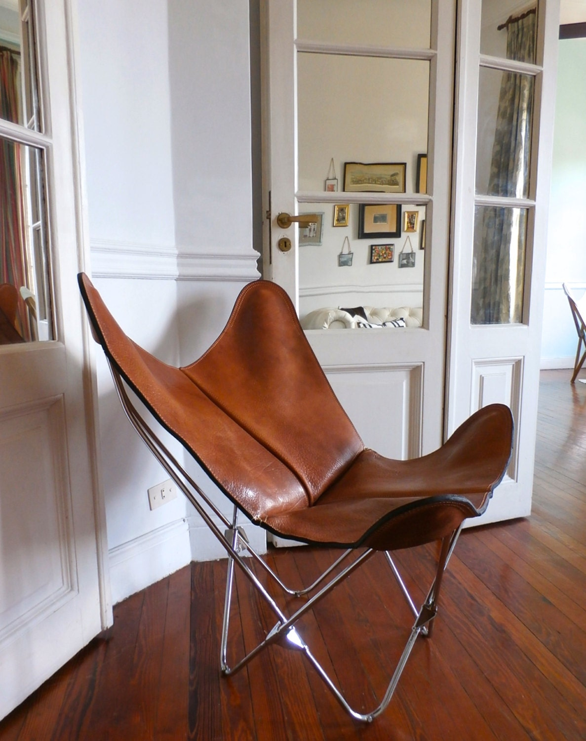 original bkf butterfly chair in premium buffalo tan leather. Black Bedroom Furniture Sets. Home Design Ideas