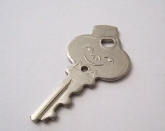 Vintage Luggage Key - American Tourister Bellhop Key