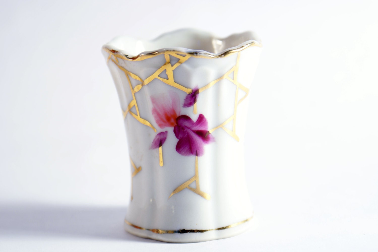 Floral pattern holder toothpick vintage by doorcountyvintage - Toothpick holder for purse ...