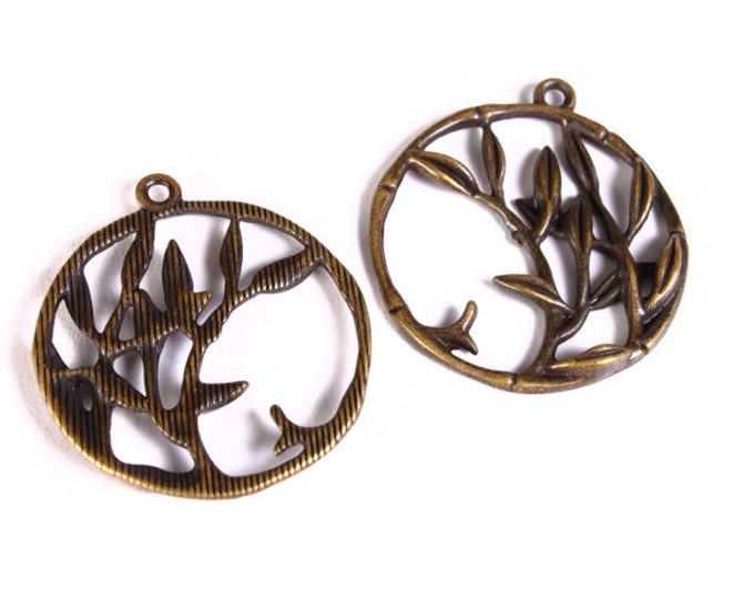5 round leaf branch filigree charm - branch pendants - antique brass pendant - 32mm - nickel free lead free (1479) - Flat rate shipping