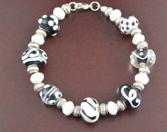 Black and White Glass Lampwork Beaded Bracelet