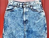 Vintage 80' blue and white denim stonewash acid wash high waisted Chic skirt