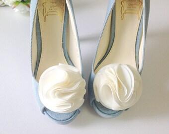 Black -Pom Pom flower shoe clips,Set of 2