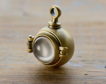 1 - Magnifying Capsule Locket Pendant Glass Bubble Antique Bronze Hinged Locket  Keepsake Locket Shadow Box Vintage Jewelry Supplies (BC083)