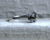 Vintage 14K White Gold Diamond Ring Cluster Ring - 0.18ct.