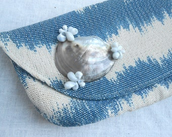 Vintage Fabric Clutch Puse with Shell decoration