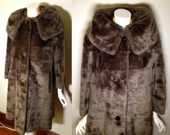 Vintage 1950s 1960s Pinup Faux Fur Brown Swing Coat Huge Collar
