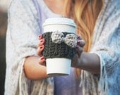Crochet coffee cozy sleeve, green with oat bow / Cup cozy