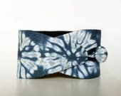 Obi bracelet  Karamatsu - Hand Dyed Shibori - 100% cotton - Blue and white Shibori wrap bracelet