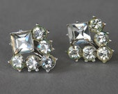 Vintage CORO Rhinestone Earrings Screw Back Clear Stones Silver Tone Rockabilly Pinup Bridal 1950's // Vintage Designer Costume Jewelry