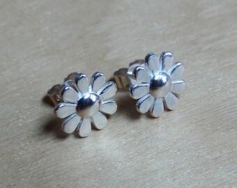 Silver Daisy Studs - Flower Earrings - Sterling Silver