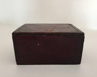 Vintage woodenTrinket box / miniature crate