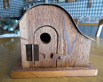 Cedar/license plate birdhouse
