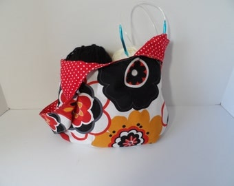 Knitting or crochet pouch in Kleo print, reversible japanese knot bag,  handy small purse, travel purse