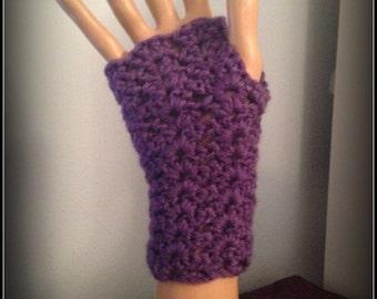 Lacy fingerless gloves