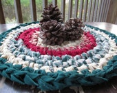 "Country Holiday Christmas 14"" Crochet Candle Pad Hot Mat Round Medium Cotton Washable Handmade Red Green Primitive Decor"
