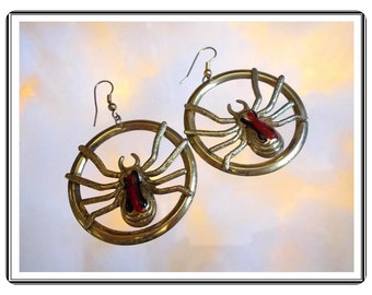 Itsy Bitsy Spider Earrings -  Vintage in Web Disk for Pierced Ears  - E3513a-083114000