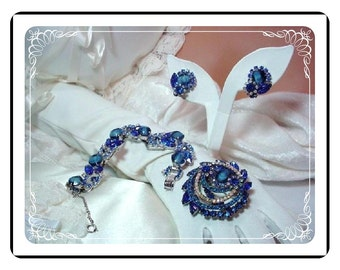 D and E Juliana Parure    Sultry Blue Girve and Rhinestone  Para-726a-092808100