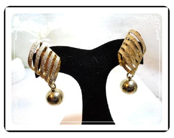 Ball & Spring Earrings -  Abstract Goldtone Vintage Clip On Earrings E476a-070612000