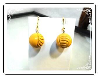 Butterscotch Bakelite Earrings - Vintage Carved Ball / Globe Pierced Earrings - E1926a-121812000