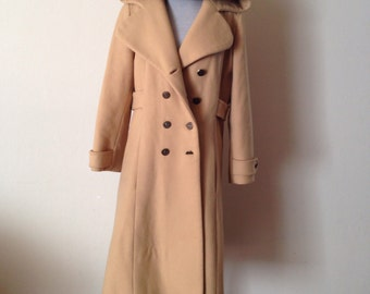 Vintage trench coat, tan winter coat, beige jacket, wool coat, raincoat, military style, 1970s size Large