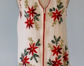 Vintage Ugly CHRISTMAS Sweater / Unisex White Knit Cardigan Sweater Vest / Poinsettias  / Christmas Party Sweater / Size Large