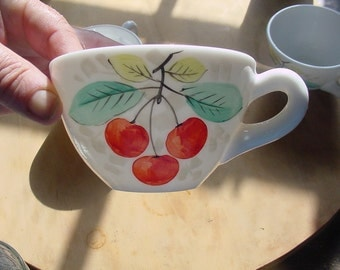 3x hand painted milk glass cups with fruits 1950s, Westmoreland