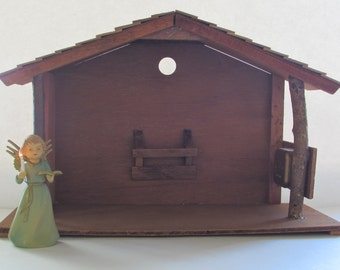 Musical Wooden Stable Creche Christmas Manger House For Nativity Scene Plays Silent Night